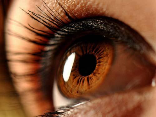 Кафявите очи: енергия и характер