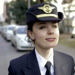 Смела млада дама, родена в България, управлява един от най-мощните самолети Airbus