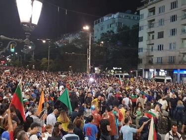 Ден 33 на протести: Протестиращите планират блокада на всички КПП-та и магистрали утре