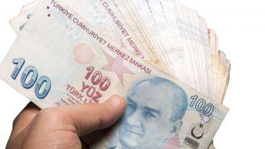 Обезценяването на турската лира продължава, въпреки мерките