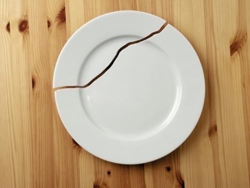 пукната чиния, лош късмет поверие