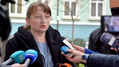 Сачева отхвърли критиките за дискриминация на заведения