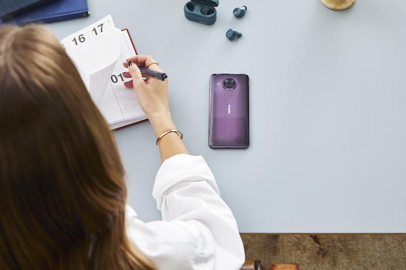 Nokia 5.4 - Lifestyle 1