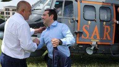 Интерконекторът с Гърция напредва бързо, първите заварени тръби вече се полагат в траншеята