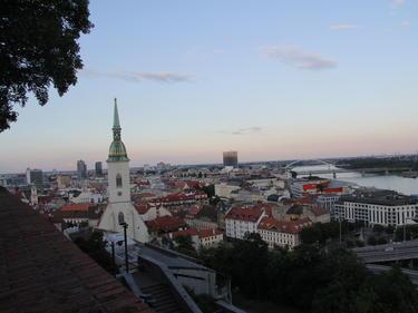 Българка разказа за ограниченията в Словакия: Забранено и излизането от дома без тест
