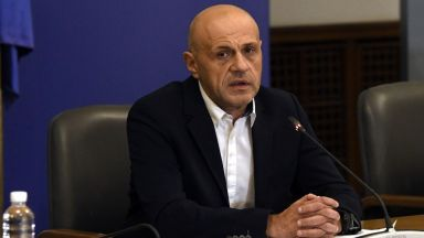 Дончев: До 2026-а Планът за възстановяване ще осигурява по 1% ръст на БВП за България