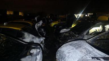 Подпалвач изпепели 8 таксита в село край Пловдив (снимки)