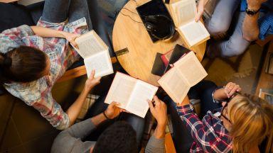 Затварянето на моловете ударило най-сериозно книжния бизнес