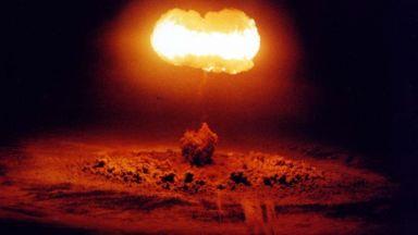 Защо СССР и САЩ искат да нанесат ядрен удар по Луната?