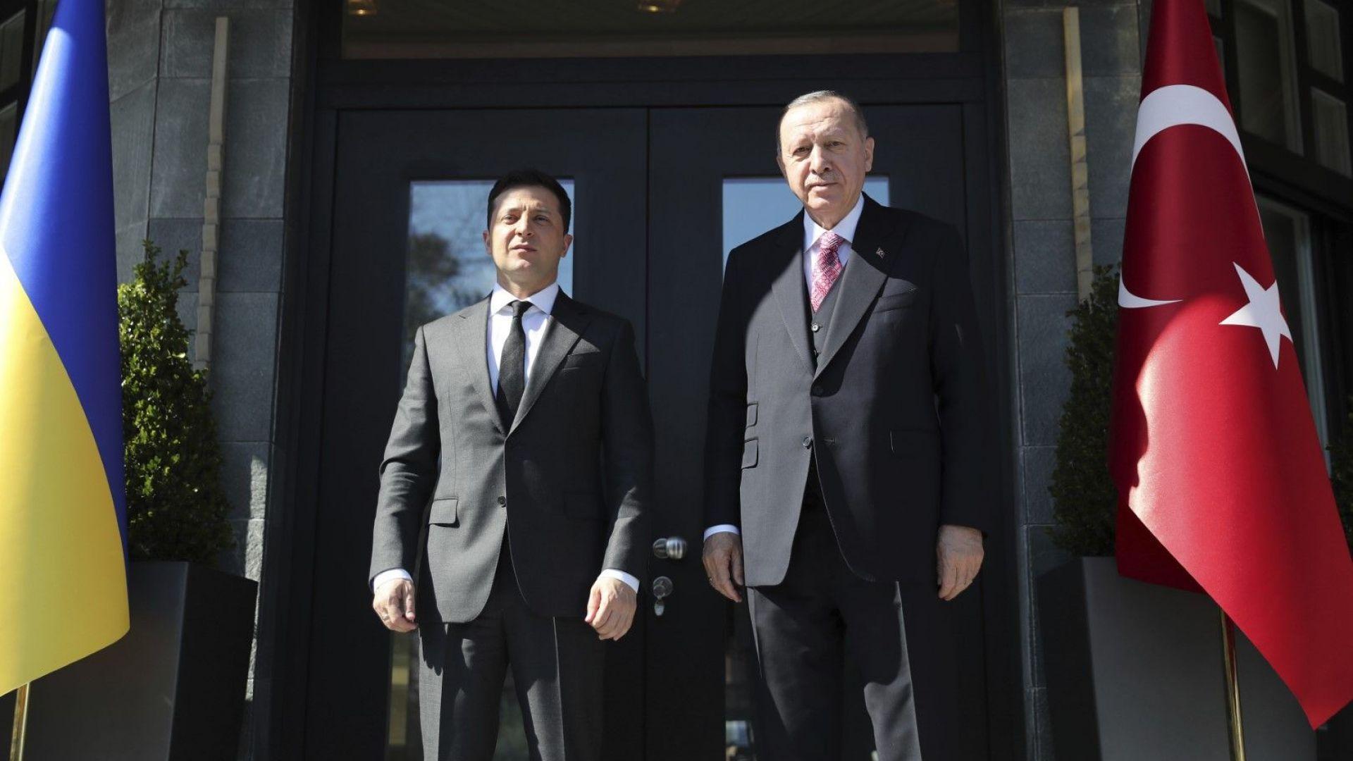 Ердоган посрещна президента на Украйна Володимир Зеленски в Истанбул на 10 април