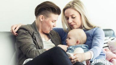 Казус с детето на гей двойка в София стигна до Съда на ЕС заради отказан акт за раждане