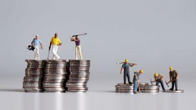 Работещи бедни: Ще мине ли директивата за минималната заплата