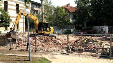 Незаконно събориха емблематична вековна къща в центъра на Пловдив