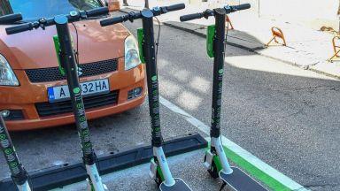 Установиха правила за тротинетките - само над 16 г. с до 25 км/час