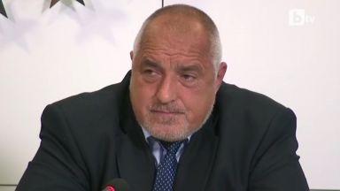 Борисов няма да се кандидатира за президент, атакува изборните промени, обслужвали Радев