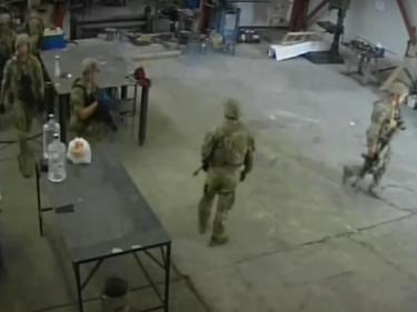 Министърът на отбраната: нахлуването в цеха в Чешнегирово е ''неприятно недоразумение''