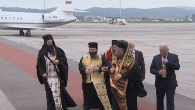 Благодатният огън пристига в България
