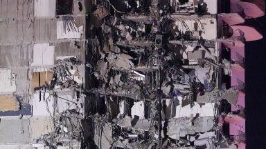 Част от 12-етажна сграда се срути във Флорида, има жертва и ранени (снимки/видео)