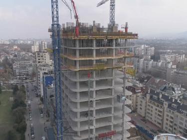 """Кметът на столичния район """"Лозенец"""" сезира главния прокурор заради продължаващото строителство на небостъргача """"Златен век"""""""