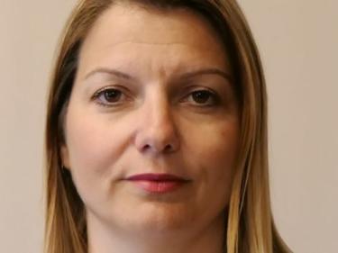 Шефката на кабинета на Рашков хвърли оставка