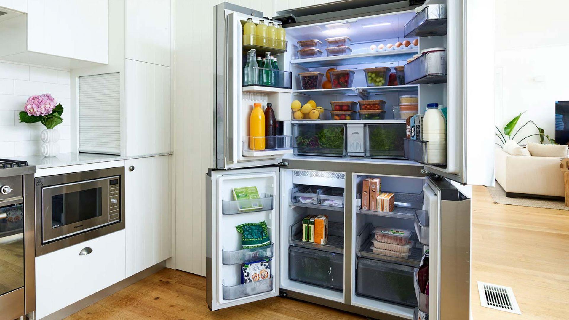 Хладилниците Bespoke на Samsung позволяват лесно конфигуриране и пренареждане