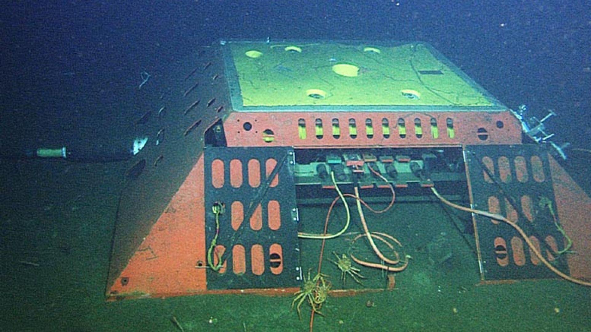 Един от основните подводни оптични кабели в света е бил подслушван