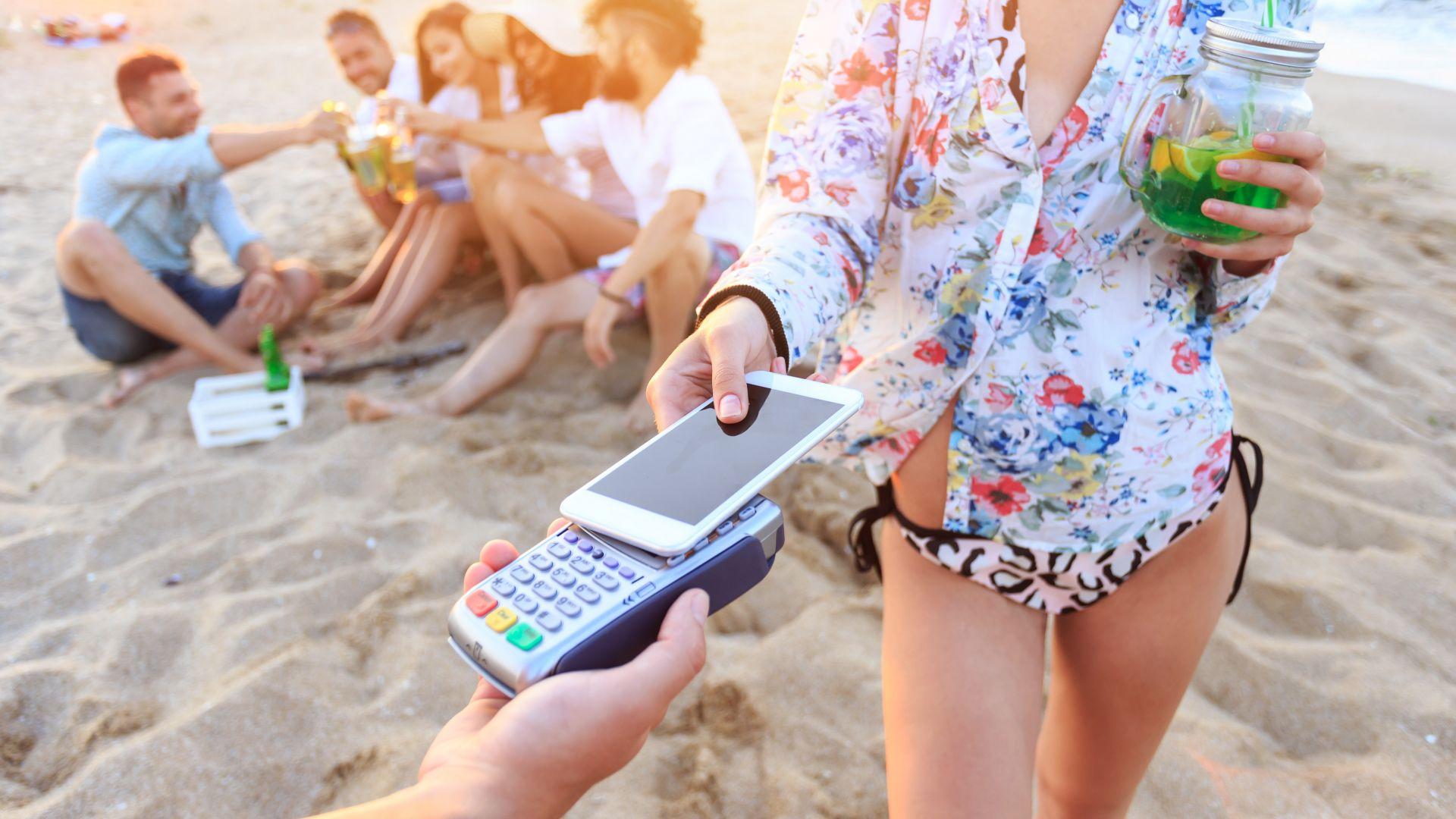 С приложението може да спестите и за уикенд на плажа