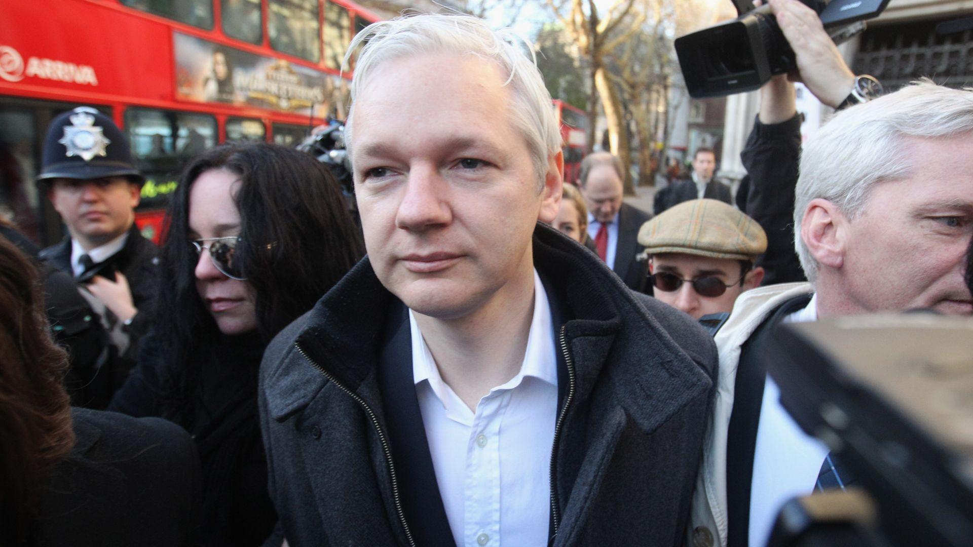Асанж не се колебае дали да разкрие информация за Русия или САЩ