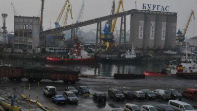 Епидемичен взрив от COVID-19 на кораб на пристанище Бургас, има един починал и 11 заразени