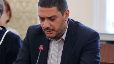 ГЕРБ обвини кабинета: Тайно преговарят за нови самолети и ремонтират лагери за бежанци