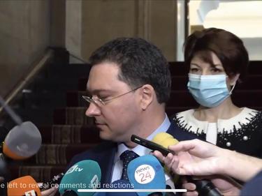 Даниел Митов оправда Маринов и Терзийски: Има три заведени дела, така че нищо никой не е крил