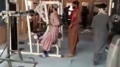 Как талибаните превзеха дворци, фитнеси и увеселителни паркове (снимки, видео)