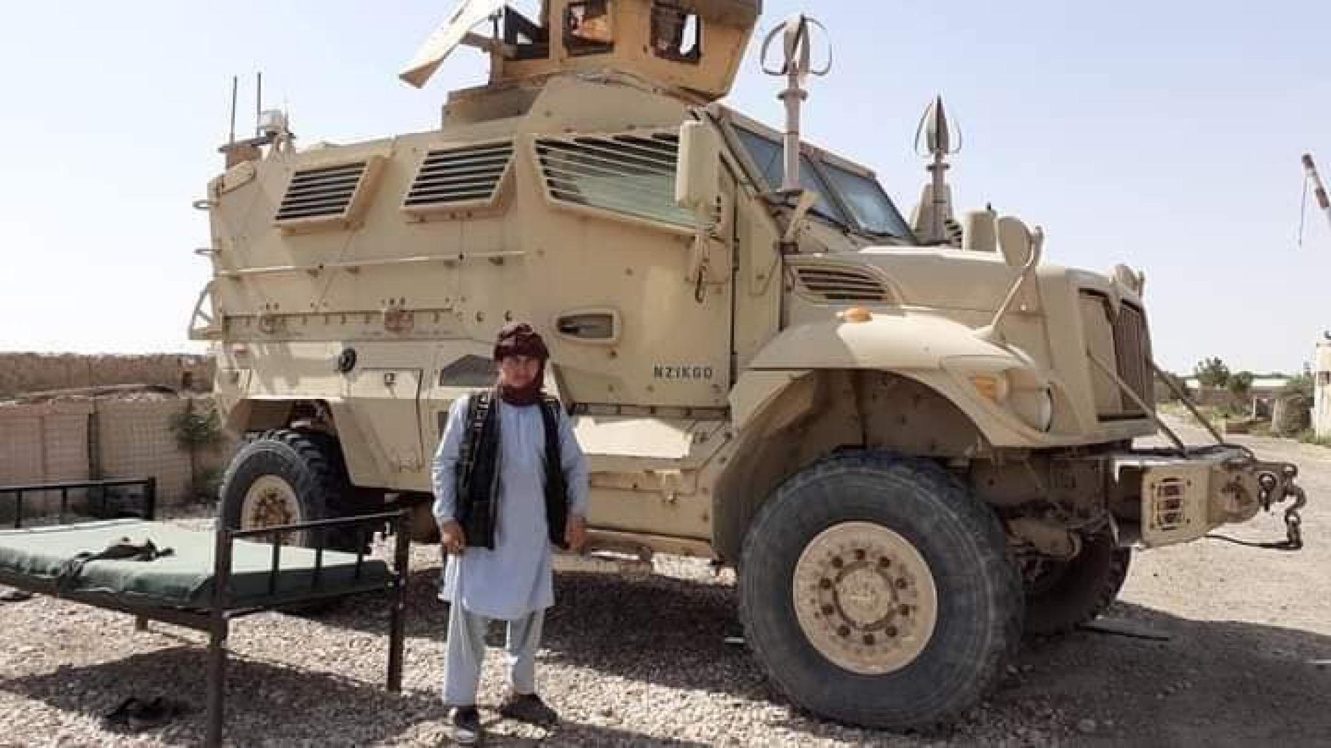 Една от многото американски бойни машини, пленени от талибаните