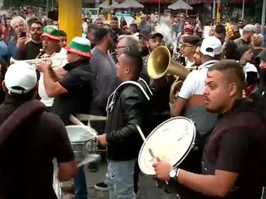 В Плевен стотици представители на бизнеса излязоха на протест срещу противоепидемичните мерки