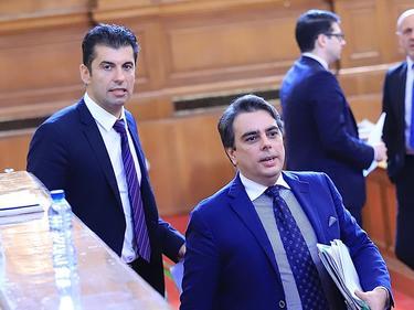 Евентуален политически проект на служебните министри Кирил Петков и Асен Василев предизвика бурна дискусия