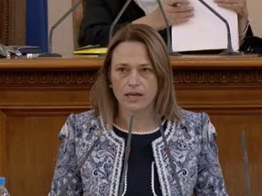 Ива Митева поиска ново гласуване на Закона за НСО