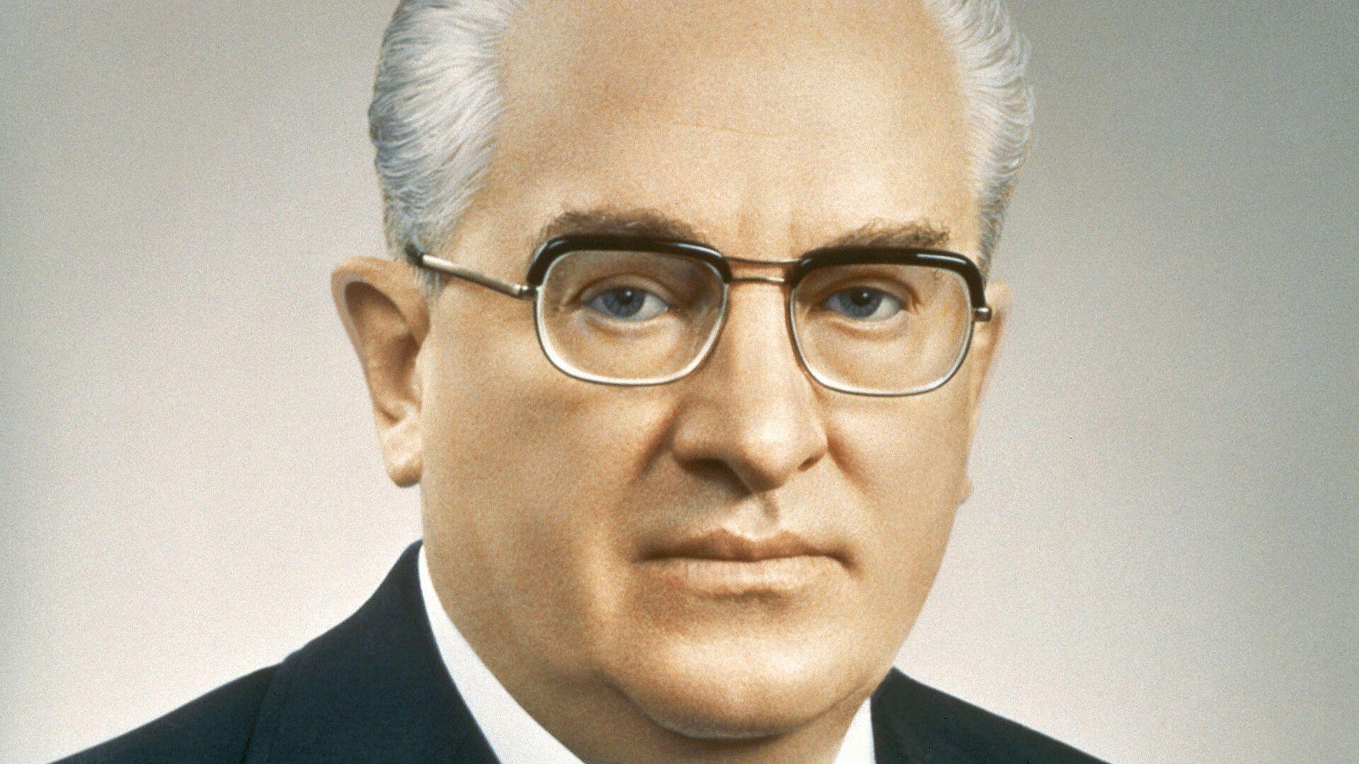 Юрий Андропов управлява КГБ повече от десетилетие
