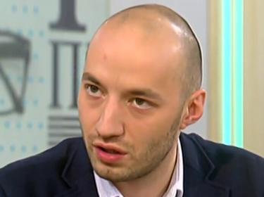 Отлив: 1/3 разочаровани от Слави се вливат в партията на Петков и Василев