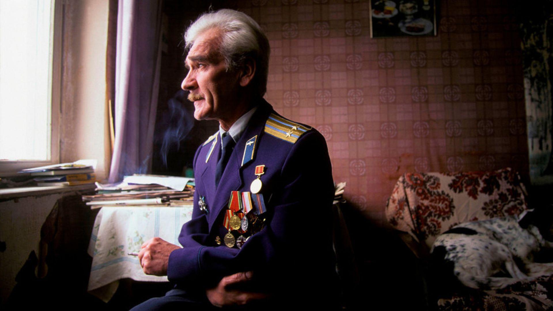 До смъртта си Станислав Петров живее в малък апартамент в панелен блок