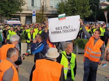 Камарата на строителите у нас иска оставката на регионалния министър